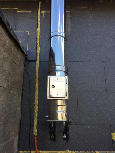 Montáž třívrstvého nerezového komínu pro krbová kamna