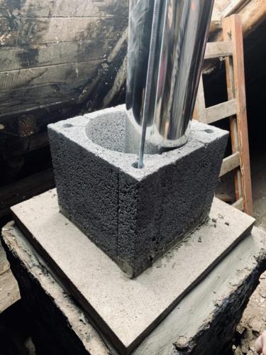 Výstavba půdní části komína