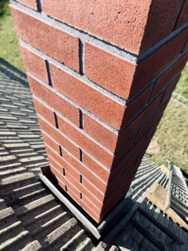 Výstavba nadstřešní části komína
